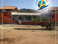 Galpão usado provisoriamente para festas ( frente represa )